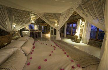 The beautiful honeymoon suite at Kaya Mawa