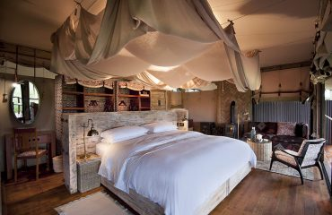 Enjoy luxury in the bush at Hwange National Park