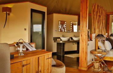 Loisaba Tented Camp double tent bathroom
